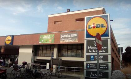 Bimba di 30 mesi dimenticata al supermercato