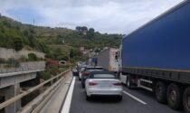L'autostrada francese invasa dai Tir, lunghe code per rientrare in Italia