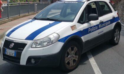 Polizia locale interrompe discoteca abusiva sulla spiaggia a Sanremo