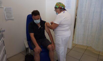 Boom di vaccinazioni Pfizer all'open day, oggi si replica