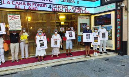 Migranti, flash mob di Sanremo Solidale per le vie del centro