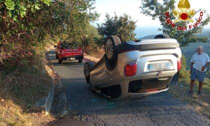 Auto si cappotta a Pompeiana, un ferito: vigili del fuoco e 118 sul posto