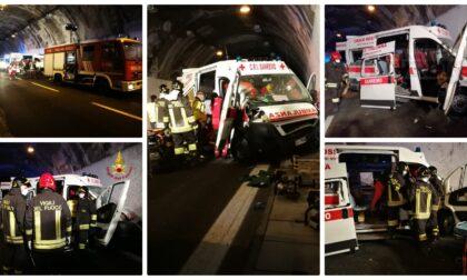 Schianto in galleria sull'A10: coinvolta anche un'ambulanza, 5 feriti gravi
