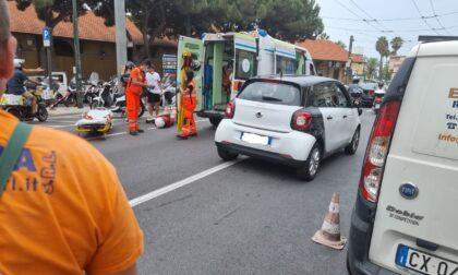 Scontro tra due scooter. Uomo al Pronto Soccorso