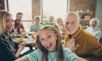 Festa dei Nonni: fai gli auguri sul settimanale La Riviera!