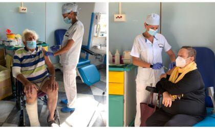 Vaccino: al via con Silvia e Michele la somministrazione della terza dose in Liguria