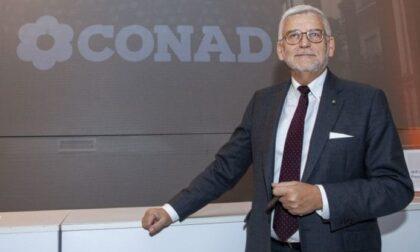 """L'Ad di Conad apre il fronte: """"In aspettativa chi non si vaccina"""". Sì al Green pass obbligatorio anche da parte di Coop e altri supermercati"""