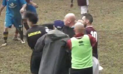 Pugno in faccia all'arbitro: allenatore squalificato per cinque anni