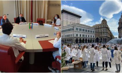 Studenti di medicina scendono in piazza
