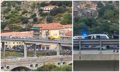 Scooter contro auto a Ventimiglia, un ferito grave, allertato l'elicottero Grifo