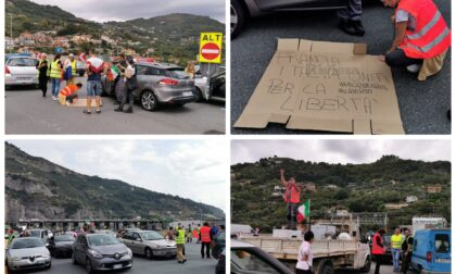 """No green pass francesi protestano alla frontiera di Ventimiglia: """"Francia e Italia uniti"""""""