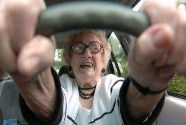 """Al volante con patente scaduta da 30 anni, """"Guido poco"""""""