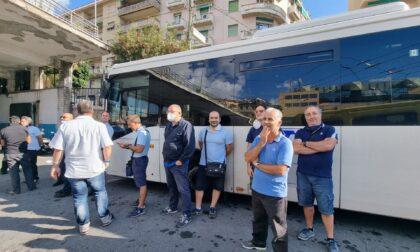 Autobus fermi per sciopero Rt