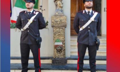 L'artista Amerigo Dorella dona un'opera d'arte ai Carabinieri di Ventimiglia